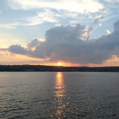 ハドソン川に沈む夕日