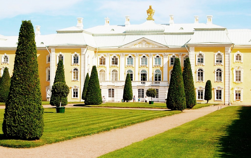 peterhof-palace-1168137_1280